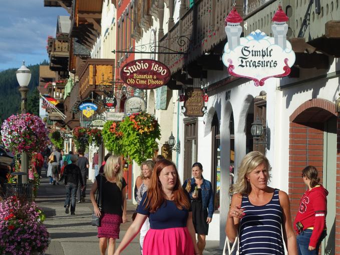 leavenworth-street-scene
